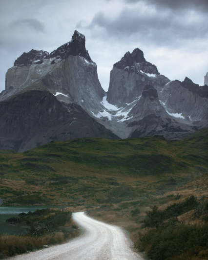 A stormy morning near Los Cuernos, Patagonia