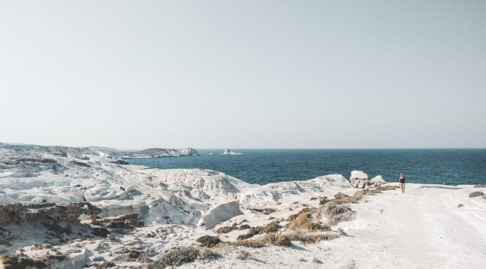 white sand beaches of the cyclades islands