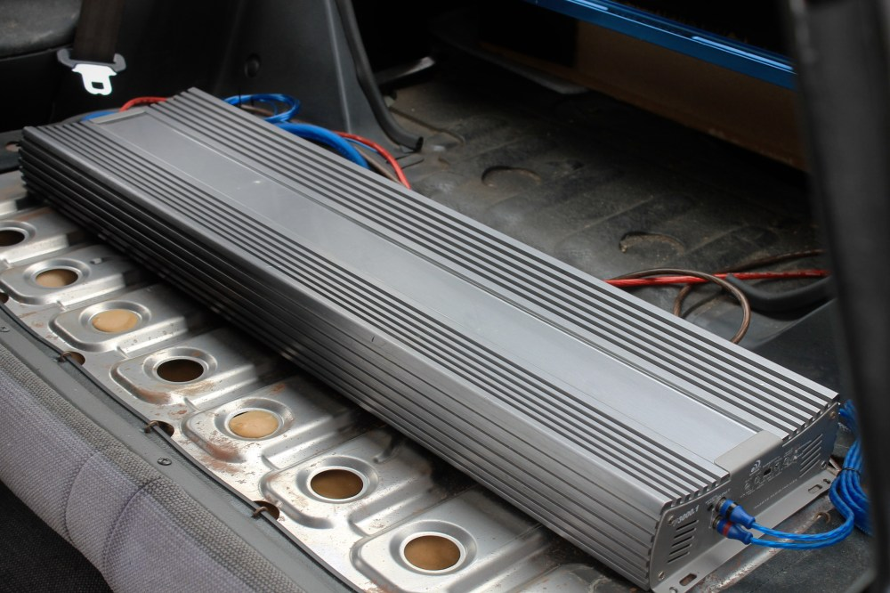medium resolution of position your amp and speaker in your car subwoofers can be large speakers that are usually housed in speaker enclosures installed in the trunk of the car
