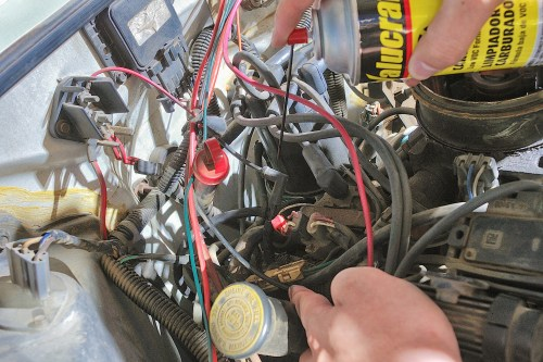 small resolution of spray the carburetor cleaner lightly all along the vacuum lines if you cannot pinpoint the hissing sound do not oversaturate the lines with the carburetor