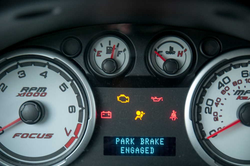 medium resolution of the air bag light should illuminate continuously without flashing for at least 30 seconds if the correct fuse was removed