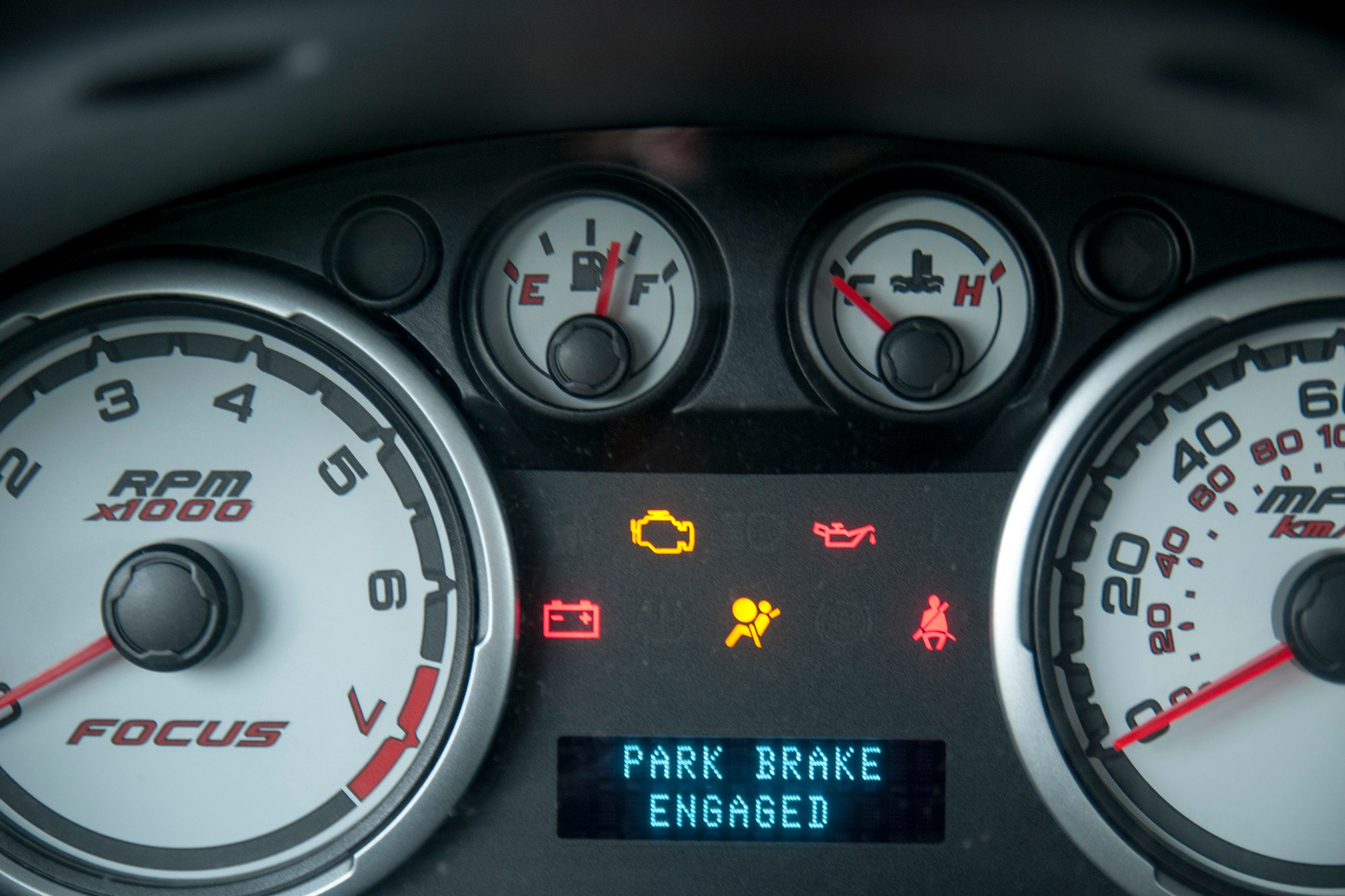 hight resolution of the air bag light should illuminate continuously without flashing for at least 30 seconds if the correct fuse was removed
