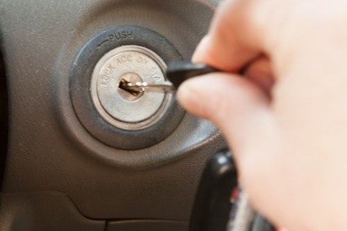 small resolution of enter the car and make sure all doors are closed unlock and open the driver door with the ignition key in hand within 5 seconds insert and remove the key