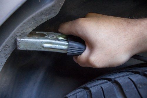 small resolution of test the grounding wire on the fuel tank s sending unit which is attached to your vehicle s fuel tank to do so attach the negative jumper cable to the