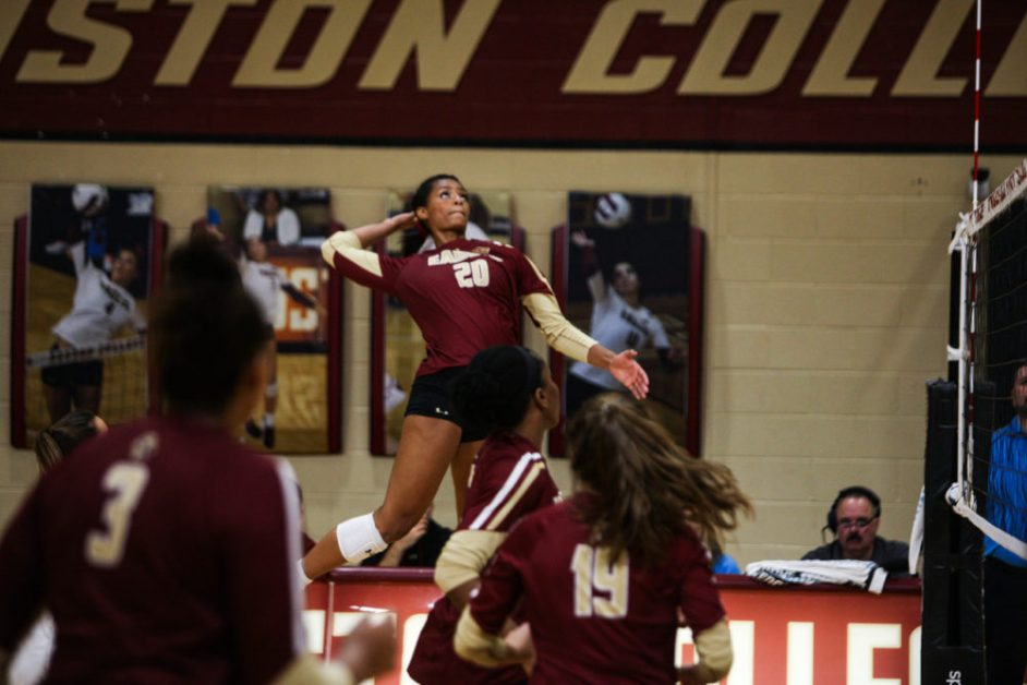 Eagles Lose in Straight Sets to North Carolina to End Weekend