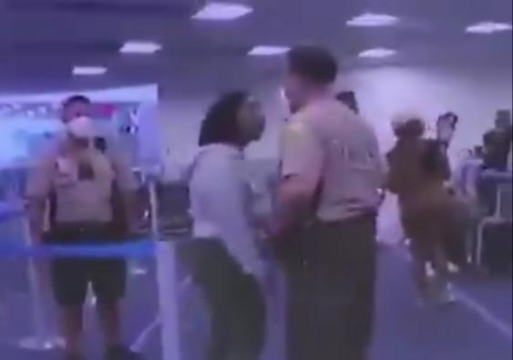 Dos policías de Miami son despedidos por golpear a una mujer