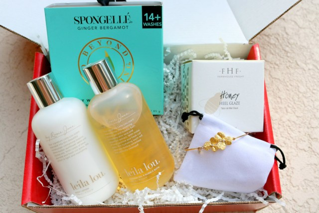 LITTLE LACE BOX REVIEW - APRIL 2015