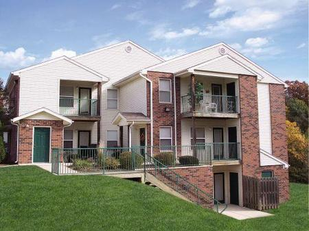 Bradford Woods Apartments Peoria  see pics  AVAIL