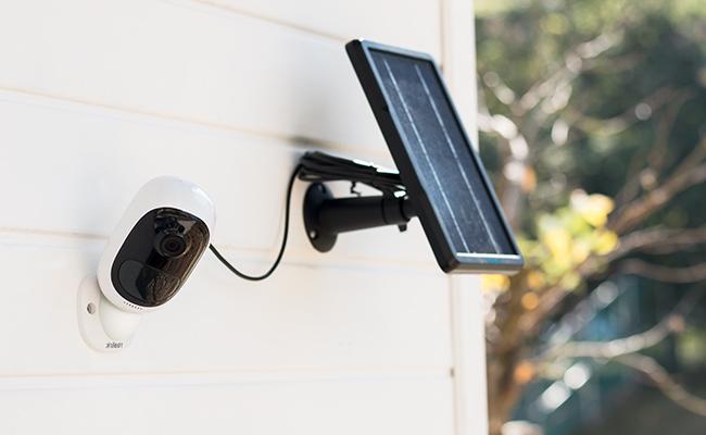 Reolink Argus 2 Solar USB Kablosu ile Güçlendirilmiş