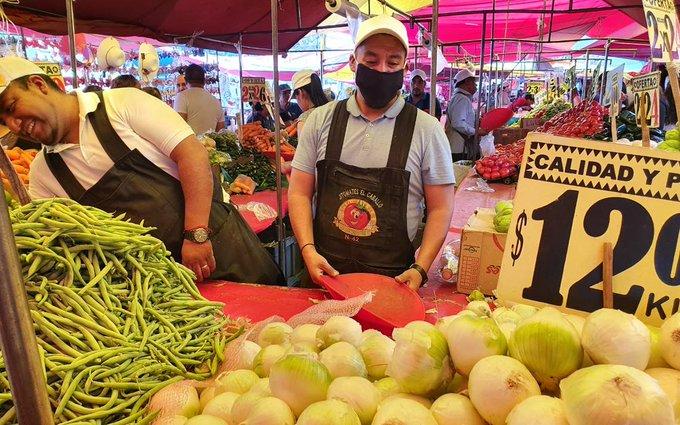 REANUDAN ACTIVIDADES: TIANGUIS, MERCADOS Y BAZARES EN LA CDMX