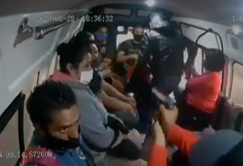VIDEO: PASAJERO PIERDE LA VIDA TRAS ASALTO EN TRANSPORTE PÚBLICO DE NAUCALPAN