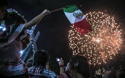 """LÓPEZ-GATELL LLAMA A DAR EL """"GRITO"""" EN CASA; PIDE NO SALIR A FIESTAS PATRIAS"""