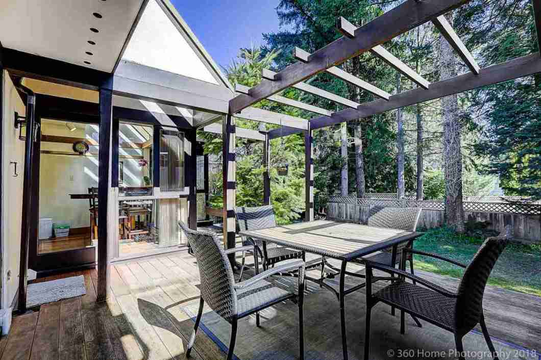 Unique beautiful architecturally design 1 2 duplex functional layoutwell maintained cozy home