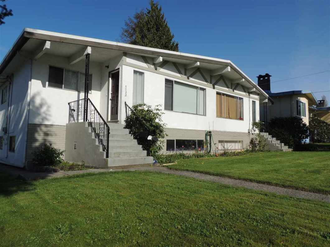 Complete Duplex for sale, that is a true money maker. 4 seperate units, all with their own entrance, with over 4800 sqft interior on a 72X126 (9072 sqft) R4 Duplex Lot with a Backlane! All 3 levels of schools very close by, Lochdale Elementary, Burnaby North Secondary and SFU. Bus stop (#144 SFU/Metrotown) just steps away. Corner lot with tons of parking on and off the property. Great Neighbours in a Great Neighbourhood, and Burnaby Mountain Golf Course and Urban Trail all within walking distance. Live in AND rent out, or rent out all and make tons of $$$. Don't miss this opportunity to buy a real money maker!!! Showings by appointment only. 3 units tenanted, so please give lots of notice to see all 4 units.
