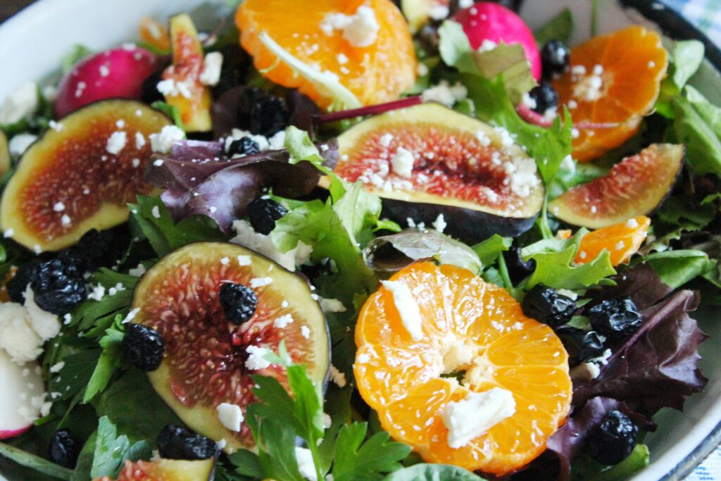 Mixed Greens with Figs and Clementines