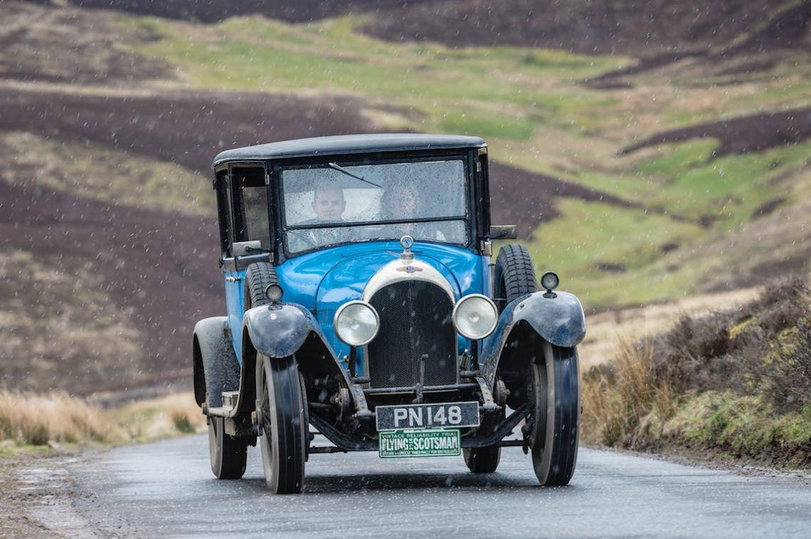 1925 Bentley 3-Litre in the snow