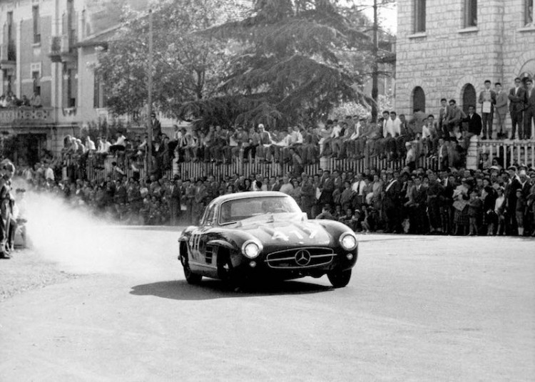Mille Miglia, Brescia in Italy, 1 May 1955. Winners in the production sports car class: John Cooper Fitch and Kurt Gesell (start number 417) in a Mercedes-Benz Type 300 SL (W 198) touring sports car.