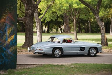 1962 Mercedes-Benz 300 SL Roadster (photo: Darin Schnabel)