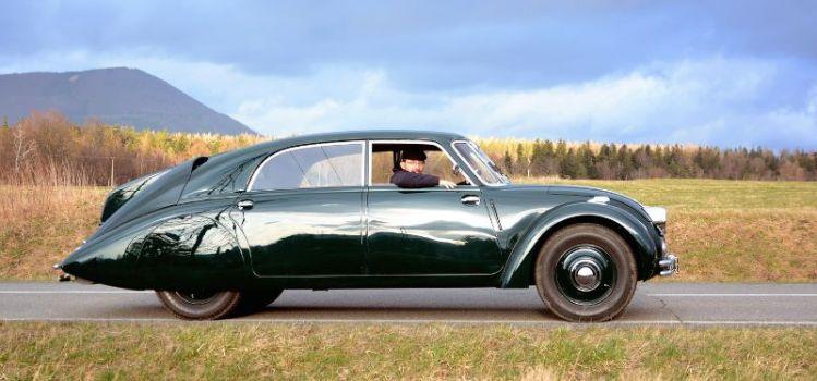Tatra T77