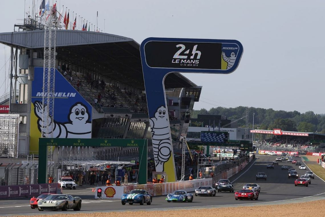 Start of the 2015 Le Mans Legend