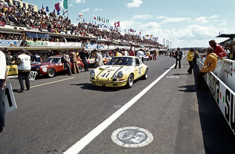 On the grid at the 1972 24 Hours of Le Mans
