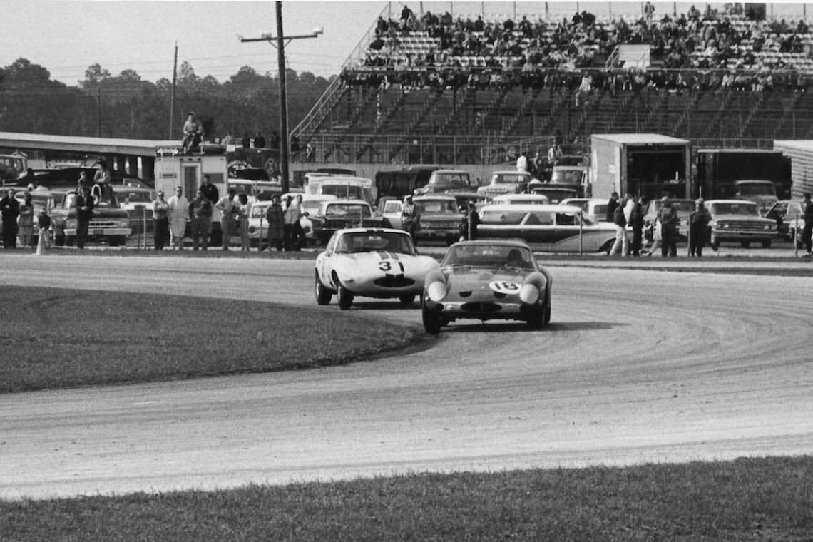 Overall winner of the 1963 Daytona 3 Hours, the Ferrari 250 GTO (4219GT) driven by Pedro Rodriguez in front of the Briggs Cunningham Jaguar E-Type driven by Augie Pabst (photo: Ferrari)