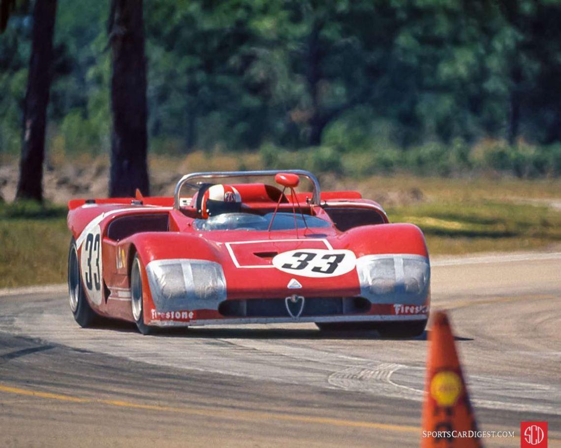 The Galli/Stommelen Alfa T33/3 in the lead (Photo: Morton/Biro Collection)