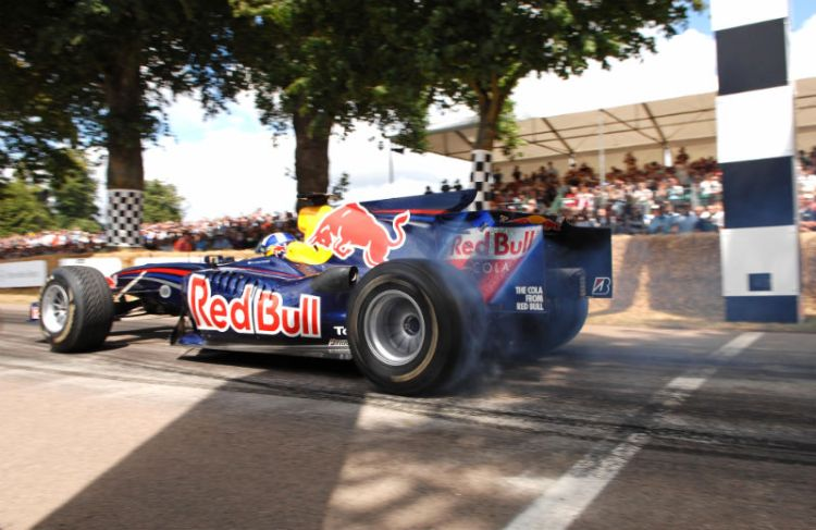 Red Bull-Cosworth STR1