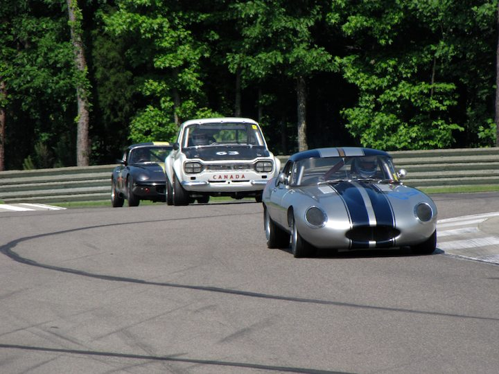 Jaguar E-Type of Thomas Murphy has mirrors full