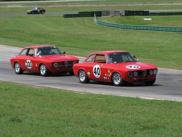 Alfa Romeo GTV of John Won leads Alfa Romeo Sprint GT of Gary Kuntz