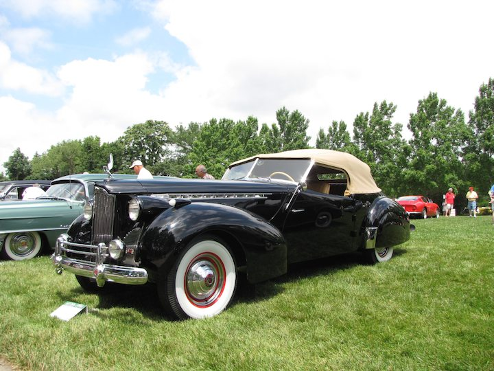 1940 Packard 1806 Convertible Victoria Darrin