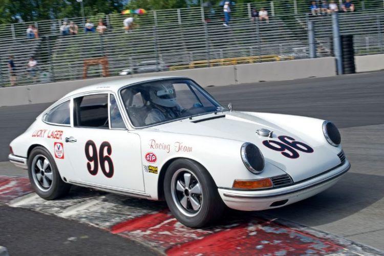 Ed Matsuishi's 1965 Porsche 911.