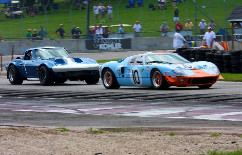 Ford GT40 and Corvette Grand Sport