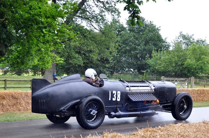 packhard-bentley-mavis-with-flames-shooting-out-of-the-exhaust-pipes-driven-by-chris-williams