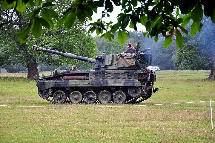the-army-put-on-a-fantastic-demonstration-of-armoured-vehicles