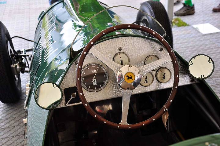 thinwall-special-cockpit-1950