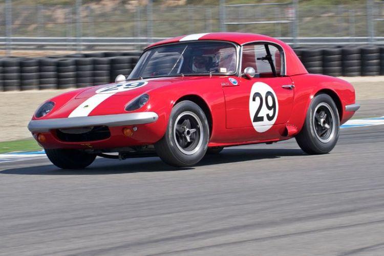 John Hugenholtz three wheels his Lotus 26R.