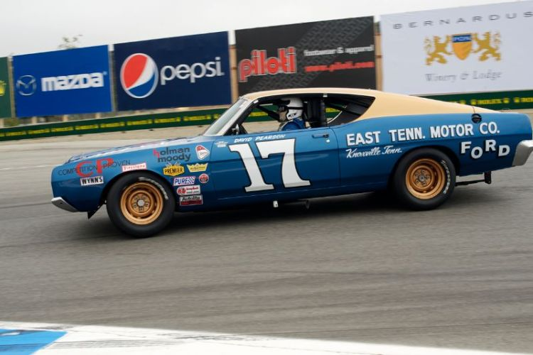 Jimmy Castle Jr. sweeps through 11 in his 1968 Ford Torino Cobra.