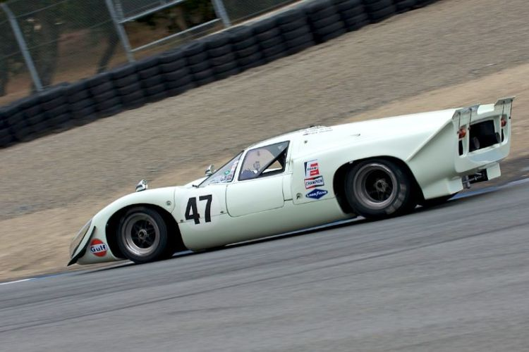 David Ritter's 1969 Lola T70 Mk IIIB in the Corkscrew.