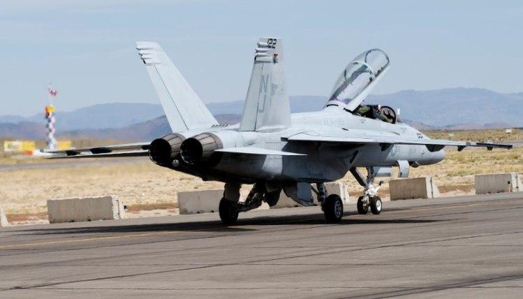 USN F-18.