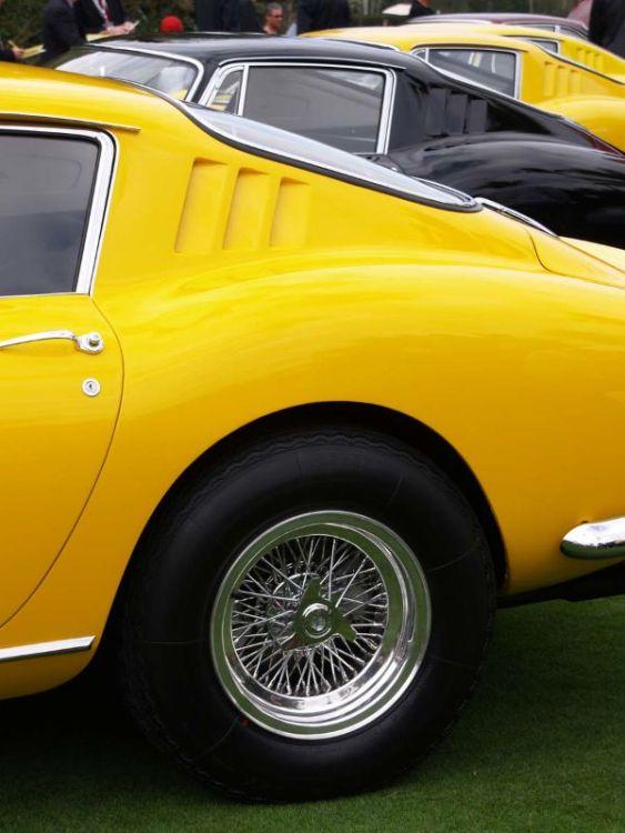 Long sequence of  Ferrari 275 GTB