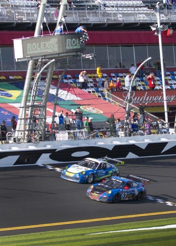 porsche-gt3-67-crossing-the-finish-line-as-2011-rolex-24-at-daytona-gt-class-winner