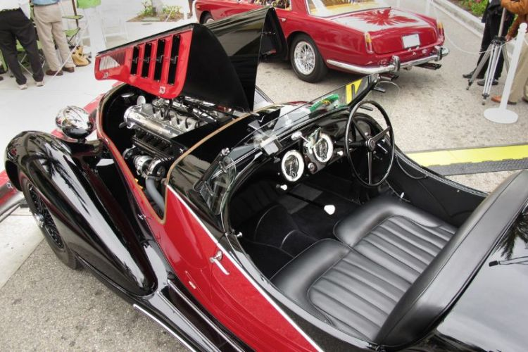 Seen earlier, here's more of a look at the cockpit and engine of Tony Shooshani's 1936 Alfa Romeo 6C2500 SS Corsa.