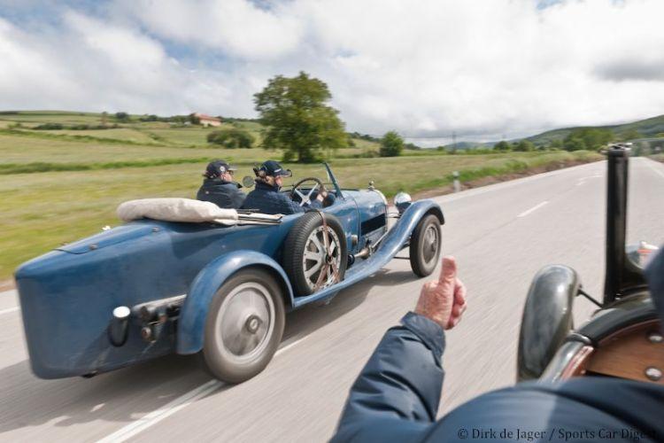 1929 Bugatti T43 sn 43268 passing 1928 Bugatti T40GS sn 40793