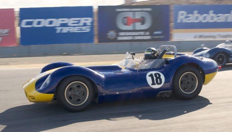 Tom Malloy's wonderful Lister Jaguar Knobbly in turn eleven.