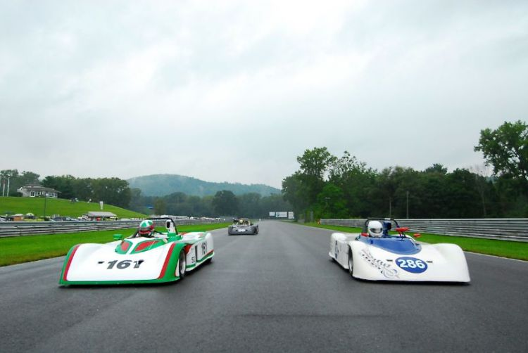 Three Swift DB2 take to the grid in a rain soaked Group 7.