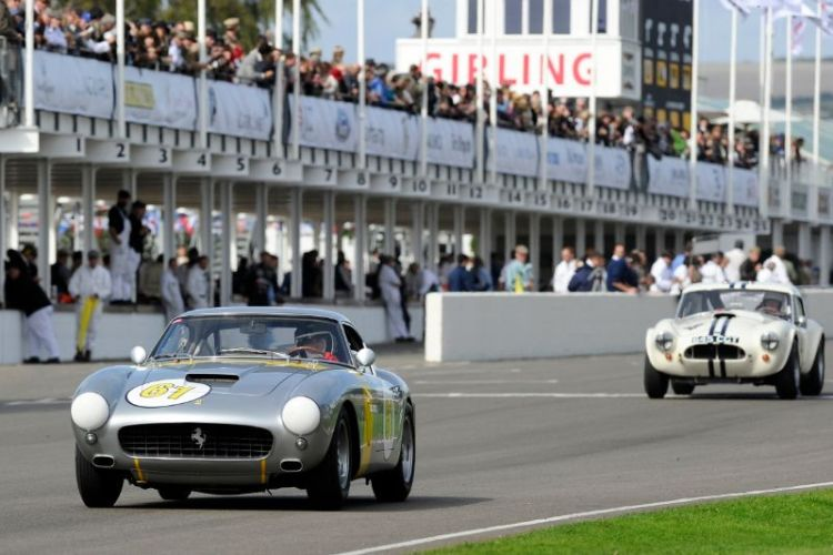 1960 Ferrari 250 GT SWB Competition - Vincent Gaye and David Franklin and 1963 AC Cobra Le Mans Coupe - Carlos Monteverde and Jackie Oliver