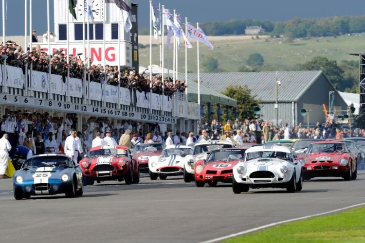 Start of RAC Tourist Trophy at Goodwood Revival 2011