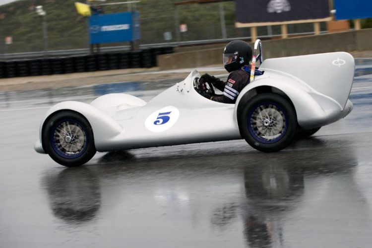 Mark Sange in his wonderful exotic BMW 750cc Avia Streamliner.