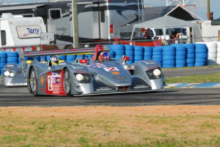 Travis Engen- Audi R8.